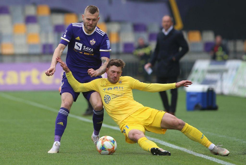 FOTO:Maribor se je poigral z raztresenimi Domžalami in prehitel Olimpijo