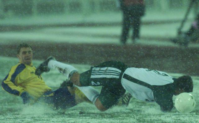 Ukrajinci, sodnik, sneg in mraz, nihče ni v Kijevu ustavil bojevite in srčne Slovenije. FOTO: Igor Zaplatil