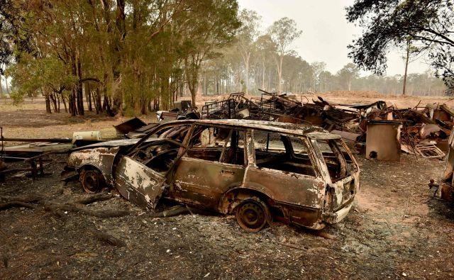 Posledice požarov v kraju Old Bar severno od Sydneyja. FOTO: Peter Parks/AFP