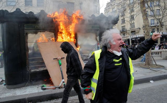 Rumeni jopič Foto Reuters