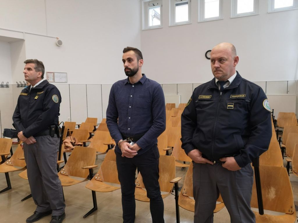 Anžetu Jelenu 17 let in pol zapora za organizacijo brutalnih ropov