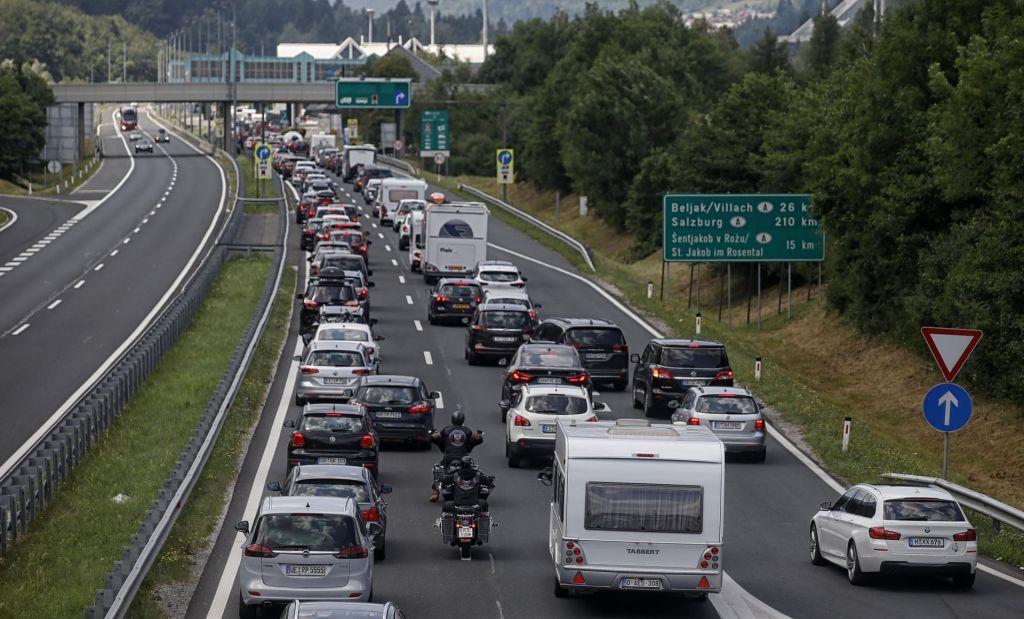 V prometni nesreči umrl 41-letnik
