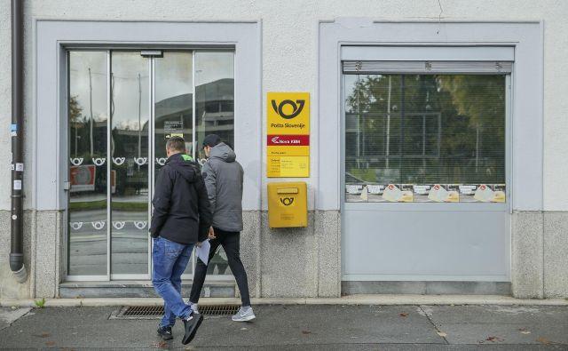 6 odstotkov prihodkov Pošta ustvari s prodajo trgovskega blaga. FOTO: Jože Suhadolnik