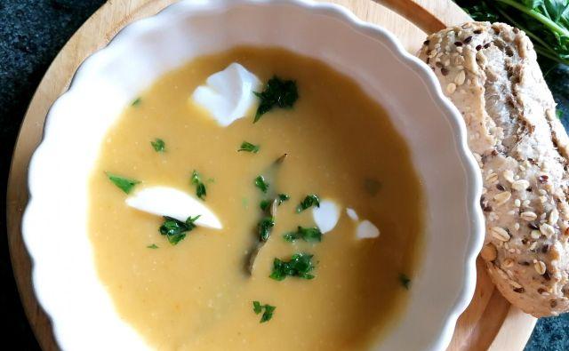 Tokrat se bomo lotili kremne juhe iz ohrovta z dodatkom še nekatere zelenjave in krompirja. Foto: Tanja Drinovec