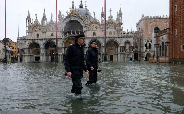 Prokurator bazilike<strong> </strong>Pierpaolo Campostrini<strong> </strong>je znova opozoril, da v baziliki sv. Marka ne razpolagajo s sredstvi, ki bi zagotovila celostno zaščito cerkve. FOTO: Manuel Silvestri/Reuters