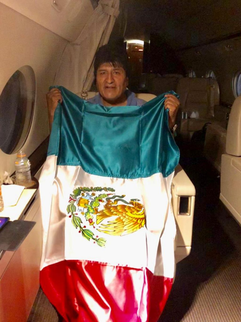 FOTO:Morales je zapustil Bolivijo, azil mu je zagotovila Mehika