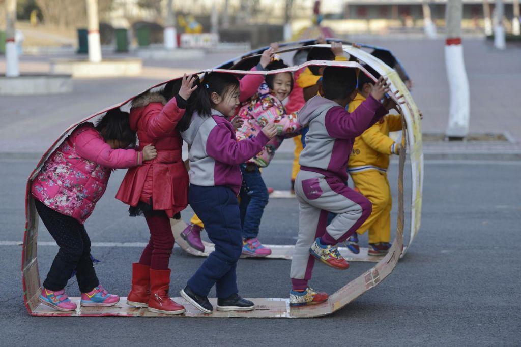 V kitajskem vrtcu napadalec poškodoval 51 otrok