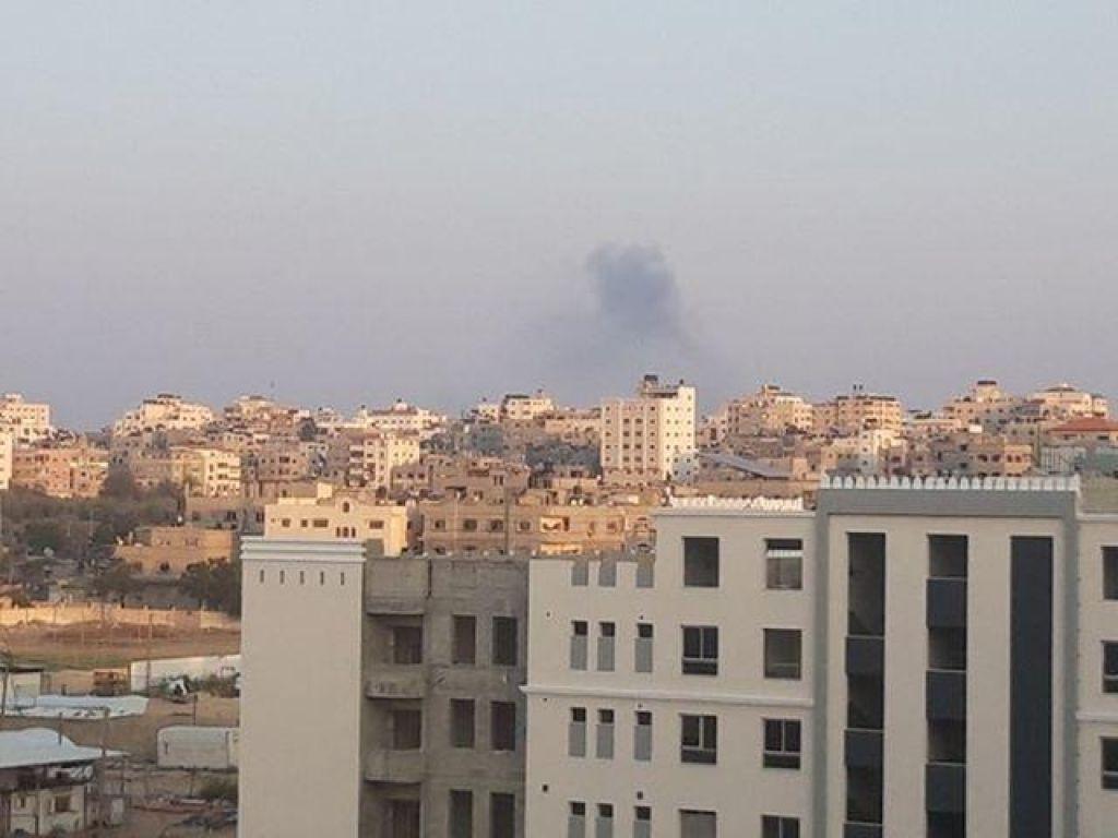 FOTO:Gazo in Izrael pretresajo eksplozije in strah pred novo vojno