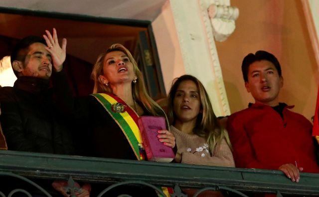 Zapleti v Boliviji so nastali, ker je volilna oblast sumljivo razglasila Moralesa za zmagovalca volitev že v prvem krogu. FOTO: Henry Romero/Reuters