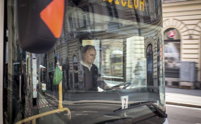 Triinpetdeset voznikov ljubljanskega mestnega prometa je izborilo plačevanje prispevkov za poklicno zavarovanje vseh voznikov v LPP. FOTO: Voranc Vogel/Delo