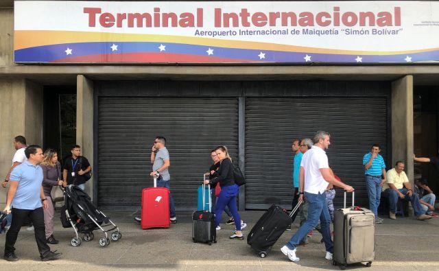 Po ocenah OZN je zaradi slabih življenjskih razmer nekoč 32-milijonsko Venezuelo zapustilo skoraj štiri milijone ljudi. FOTO: Reuters