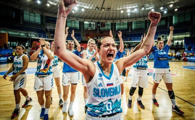 Nika Barič in soigralke danes začenjajo pohod proti tretjemu zaporednemu nastopu na evropskih prvenstvih. FOTO: FIBA