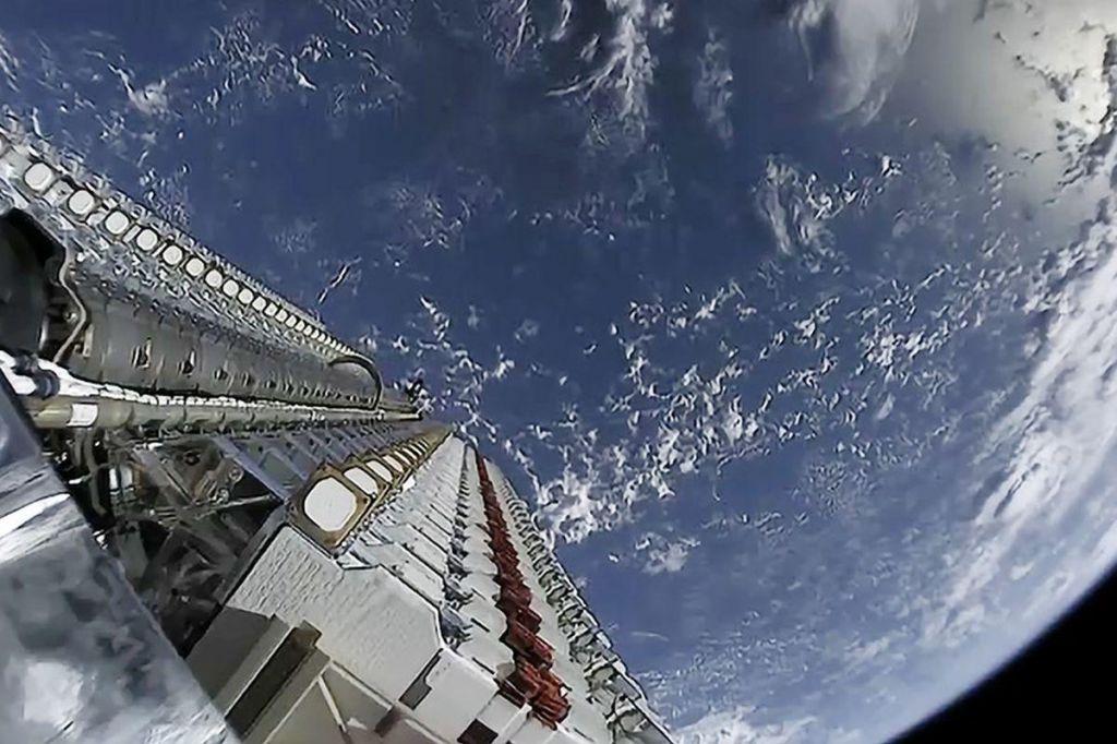 Jata satelitov se veča