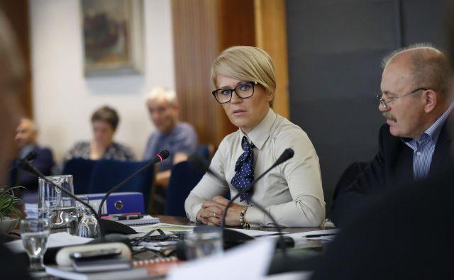 Na januarskem kongresu bo izzvala dolgoletnega predsednika Desusa Karla Erjavca, ki je ponovno kandidaturo že napovedal. FOTO: Leon Vidic/Delo