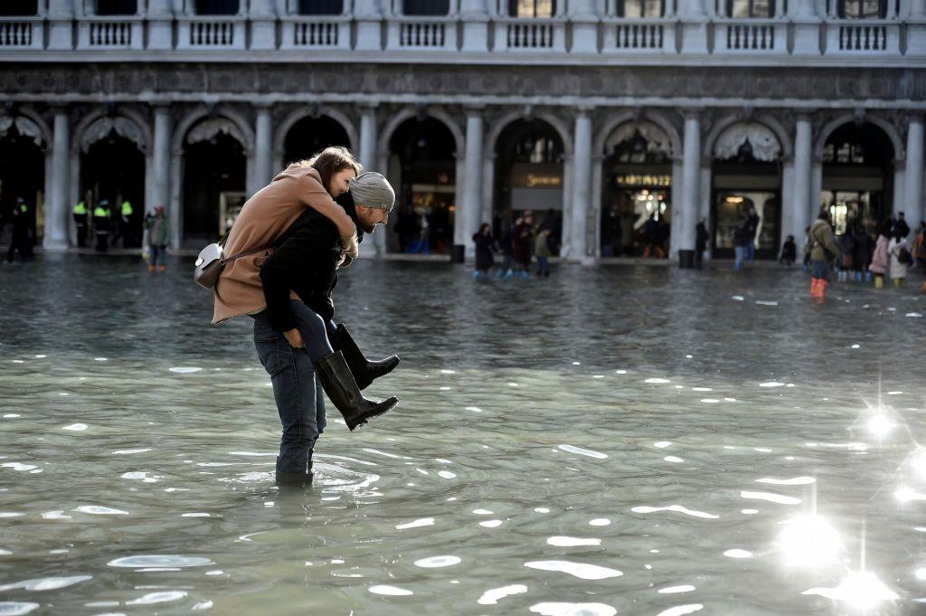 FOTO:V Benetkah razglasili izredne razmere