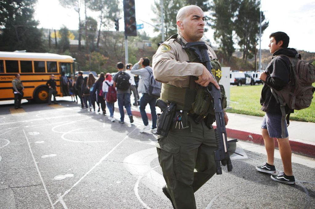 FOTO:V streljanju na srednji šoli dve osebi ubiti
