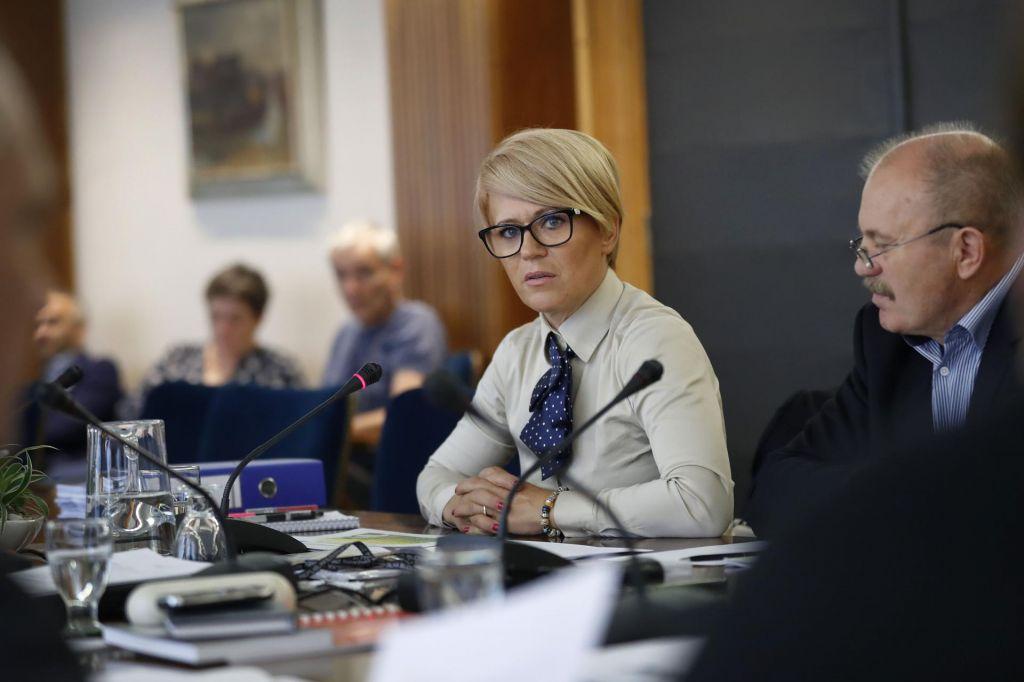 Poleg Karla Erjavca v boj za vrh tudi ministrica Aleksandra Pivec