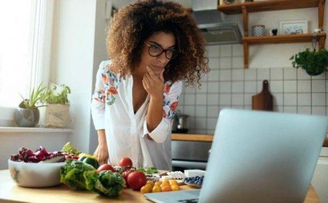 Kaj pravite na palačinke s skuto? Če nimate pretirane domišljije, si še vedno lahko pomagate s praški, recimo beljakovinami sirotke. Foto: Shutterstock