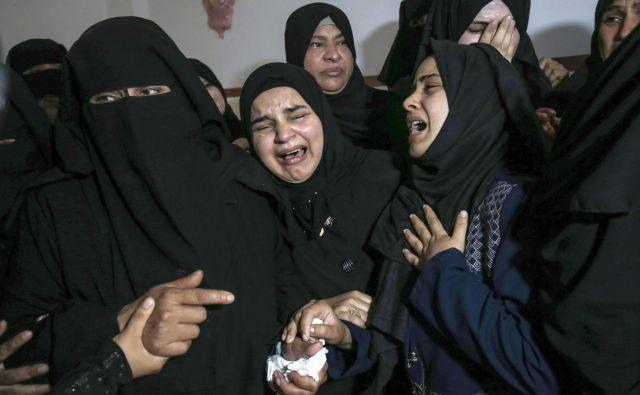 V izraelskih napadih je bilo od torka ubitih najmanj 35 Palestincev. FOTO: Said Khatib/AFP
