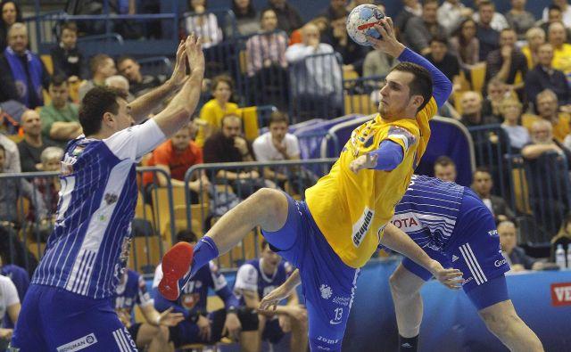 Josip Šarac je gonilna sila Celja tako v napadu kot v obrambi, tudi proti Pick Szegedu bo šel 24. t. m. na zmago. FOTO: Mavric Pivk