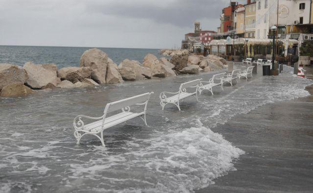 Poplave v Piranu. FOTO: Leon Vidic/Delo