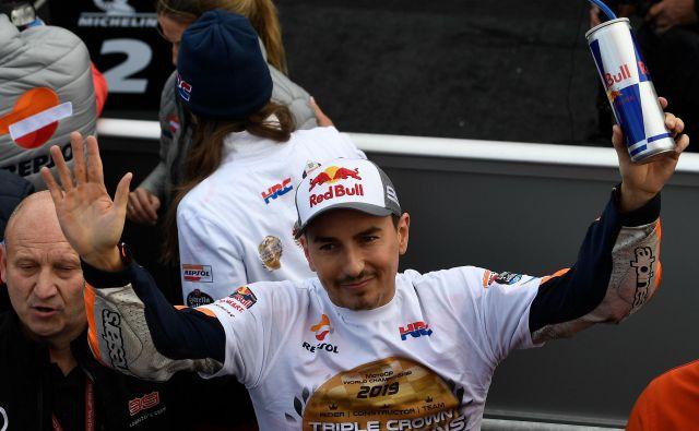Jorge Lorenzo je po včerajšnji dirki za veliko nagrado Valencie pomahal v slovo. FOTO: AFP