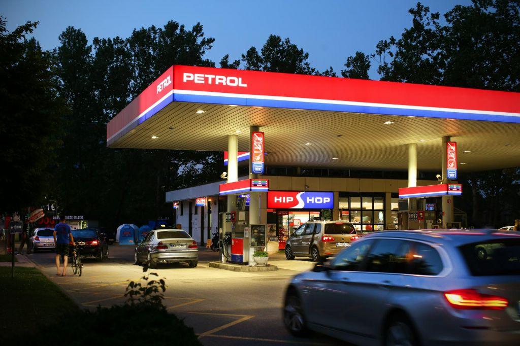 Petrol dobiček povečal za šestino