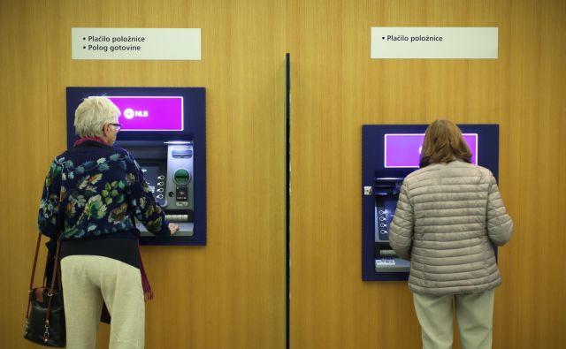 Najmanj bodo davčne spremembe opazili zaposleni, katerih plača je podobna srednji plači (mediana) ali pa zdajšnji povprečni plači v Sloveniji. FOTO: Jure Eržen/Delo