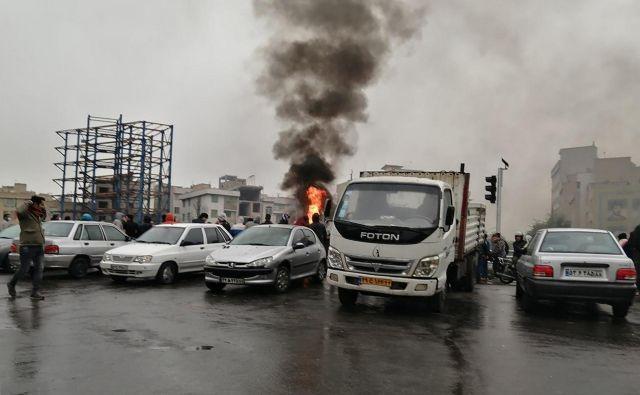 Protesti v Iranu. FOTO: AFP