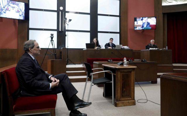 Sojenje Torri se je začelo mesec dni po tistem, ko je špansko vrhovno sodišče zaradi vstajništva in zlorabe javnih sredstev devet nekdanjih katalonskih voditeljev obsodilo na zaporno kazen od devet do 13 let zapora. FOTO: Andreu Dalmau/AFP