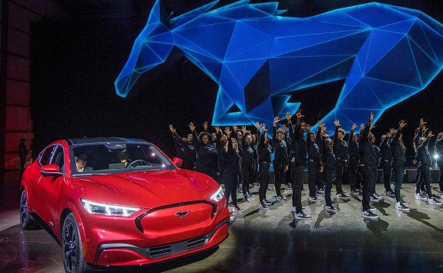 Fordov prvi popolnoma električnemu pogonu posvečen izdelek se imenuje mustang mach-E. FOTO: AFP