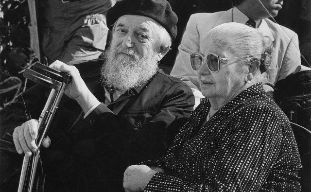 Božidar in Tatjana Jakac leta 1986.tri desetletja po Jakčevi smrti se dogaja, da v muzejih ne morejo prosto razpolagati z njegovimi deli, ki so v njihovi lasti. FOTO: Igor Modic/Delo