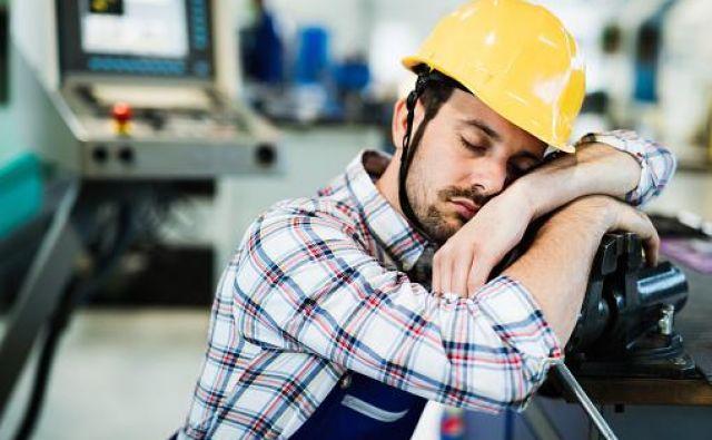 Količina spanja, sedentarnosti, nizko-, zmerno - in visokointenzivne gibalne aktivnosti so medsebojno izključujoče se komponente enega dne (oziroma konstantne periode časa). Foto: istockphoto