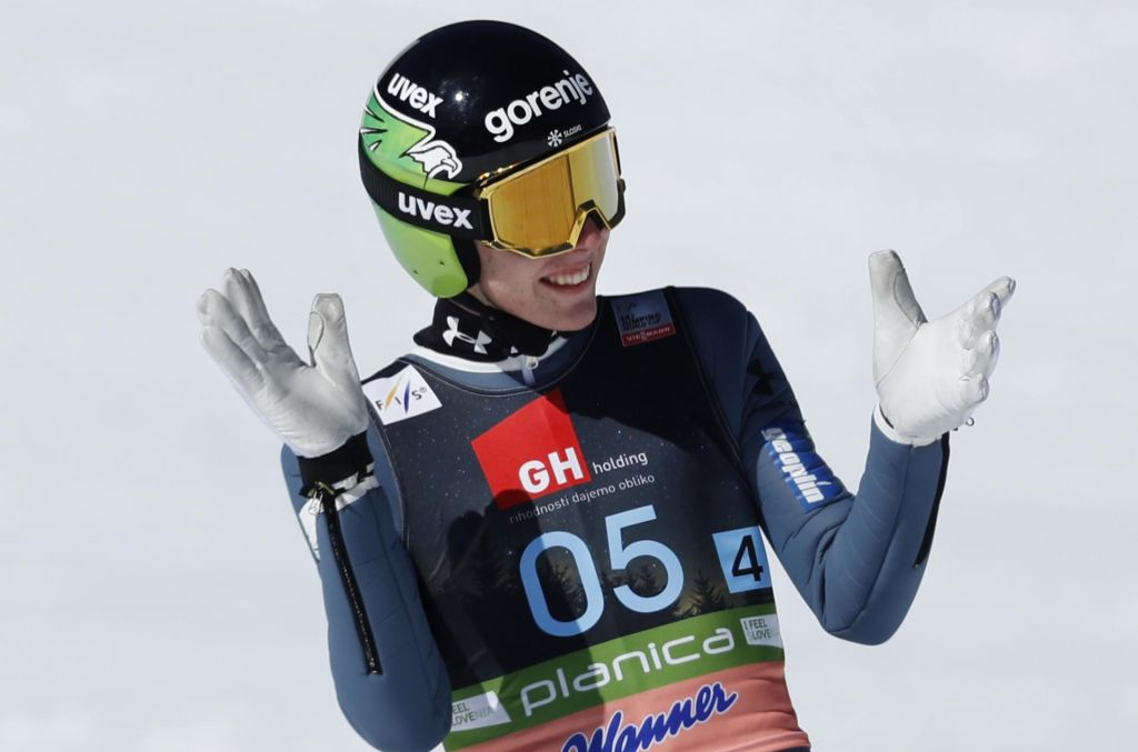 Pred finalom v Klingenthalu je poskrbel za manjši šok