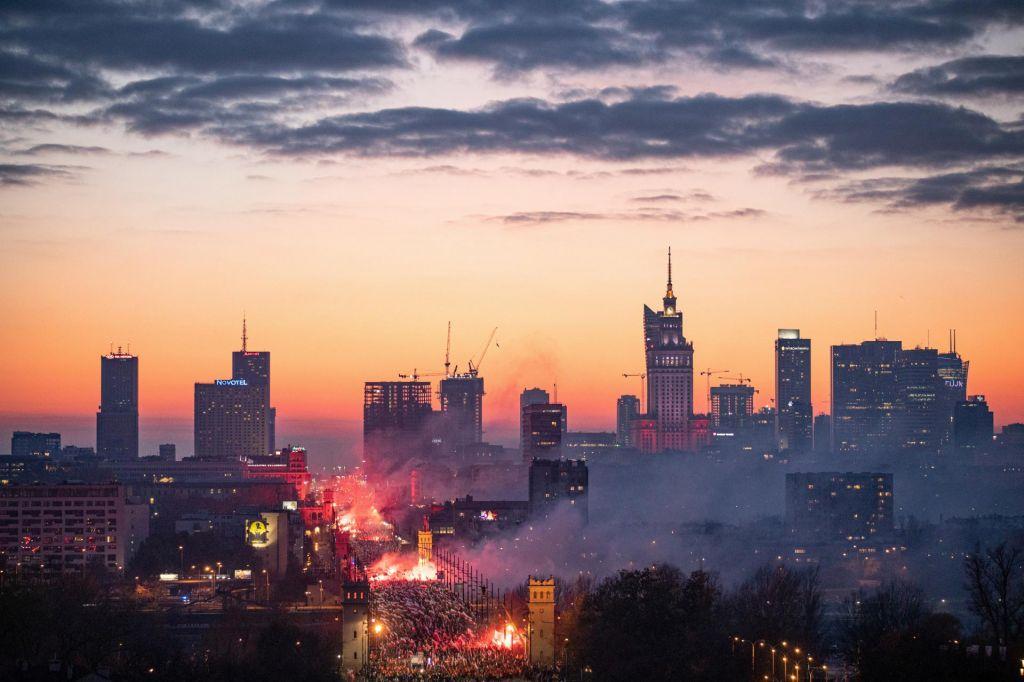 Slovenci drevi v Varšavi: Eden najlepših štadionov v Evropi le del poljske renesanse