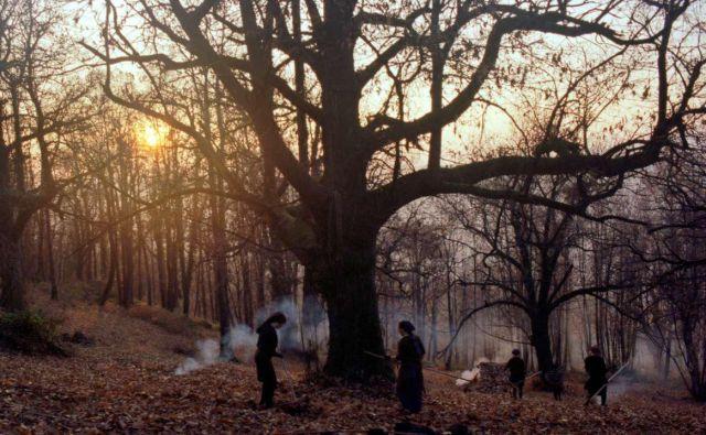 V zakotni vasici na robu (znanega) sveta, kjer praznujejo jesen in njene plodove, čas teče v svojem ritmu. Foto Arhiv Nosorogi