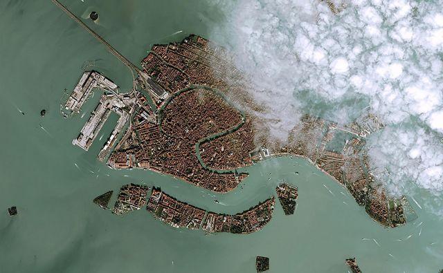 Pogled na poplavljene Benetke iz ptičje perspektive. FOTO: Ho/Afp