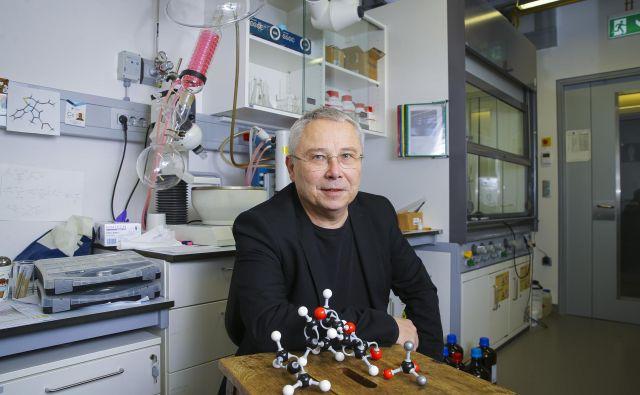 Prof. dr. Jurij Svete je že dobri dve leti dekan Fakultete za kemijo in kemijsko tehnologijo Univerze v Ljubljani. Foto Jože Suhadolnik