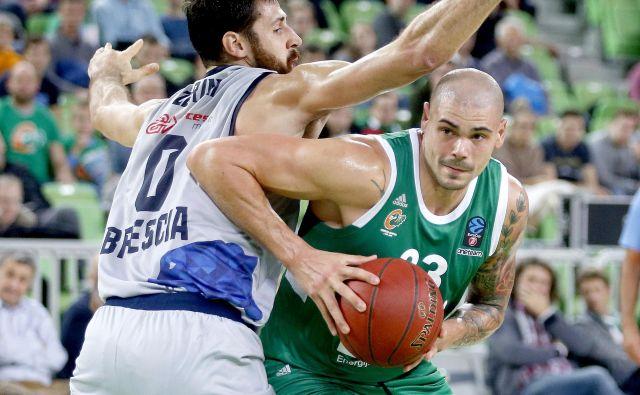 Maik Zirbes še ne dosega večjega števila točk, a je vse bolj koristen v moštvu Cedevite Olimpije. FOTO: Roman Šipić