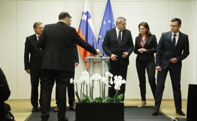 Pet koalicijskih prvakov se je kljub temu, da so nekateri med njimi že preverjali možnosti o drugačnih političnih povezovanjih, odločilo, da za zdaj nadaljuje skupno pot. FOTO: Leon Vidic/Delo