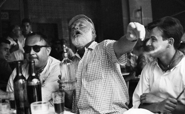 Ernest Hemingway v baru Floridita Foto wikipedija