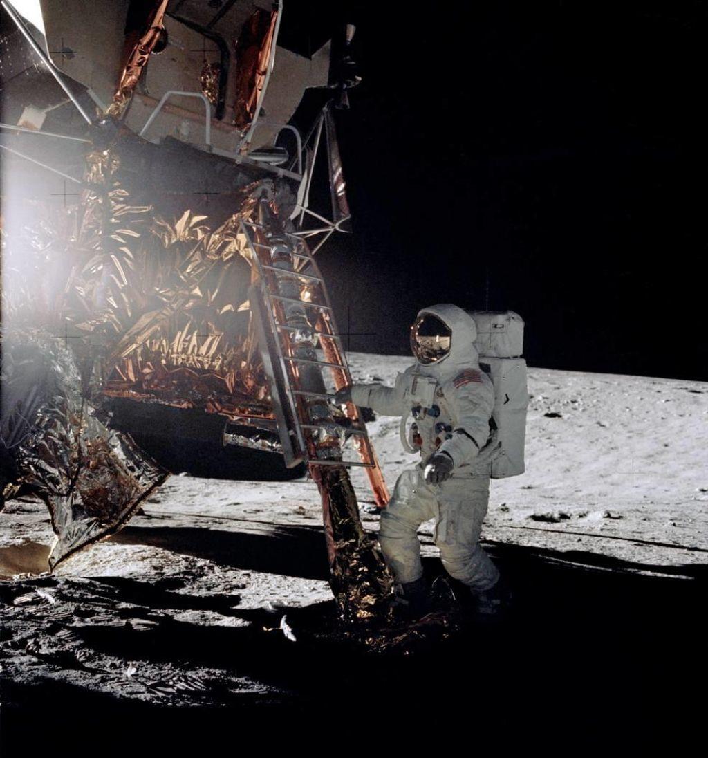 Astronavt, ki je na Luni dobil stavo