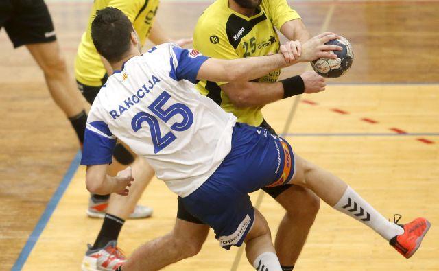 MaticVerdinek (z žogo) je za Gorenje zadel devetkrat. FOTO: Roman �Šipić/Delo