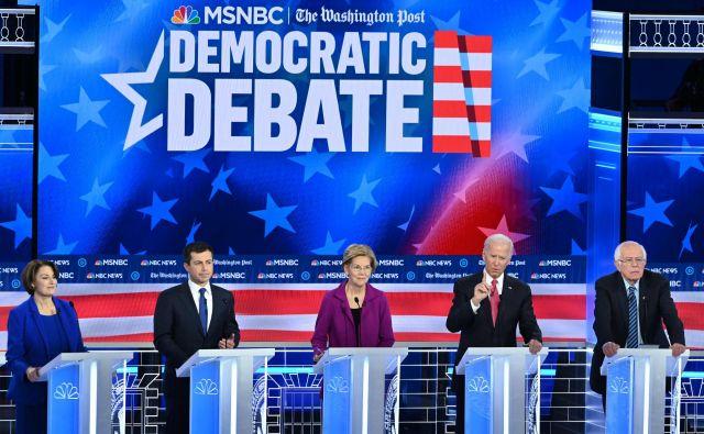Novembrsko soočenje demokratskih predsedniških kandidatov je potekalo v Atlanti. FOTO: Saul Loeb/AFP