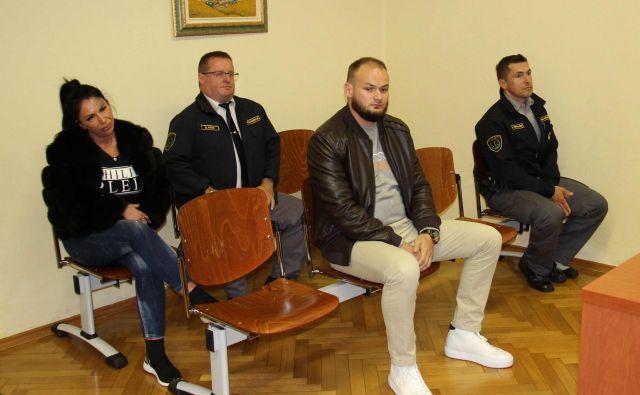 Elvis Livadić se je v zaporu poročil, sodnica mu je zato zaželela, da zgledno preživi preostanek kazni. Foto Tanja Jakše Gazvoda