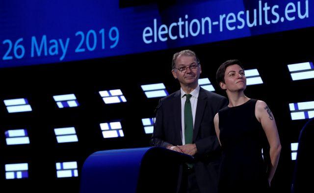 Sopredsednika evropskih Zelenih Philippe Lamberts in Ska Keller med čakanjem na izide majskih volitev v evropski parlament. Foto Reuters
