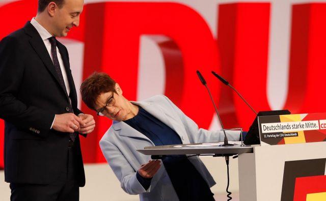 Annegret Kramp-Karrenbauer se za zdaj ni uspelo izrazito profilirati in vzpostaviti lastnega sloga vodenja stranke. Foto AFP
