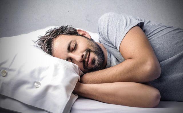 Ne morete spati? Ustvarite si spalno rutino. FOTO: Adobe Stock
