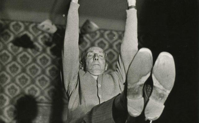 »Žal mi je le, da se ta predaja ni zgodila prej, ko je bil še živ, saj bi bil zelo zadovoljen, če bi to lahko naredil že on,« je včeraj dejala hči olimpionika. Foto Arhiv Dolenjskega muzeja