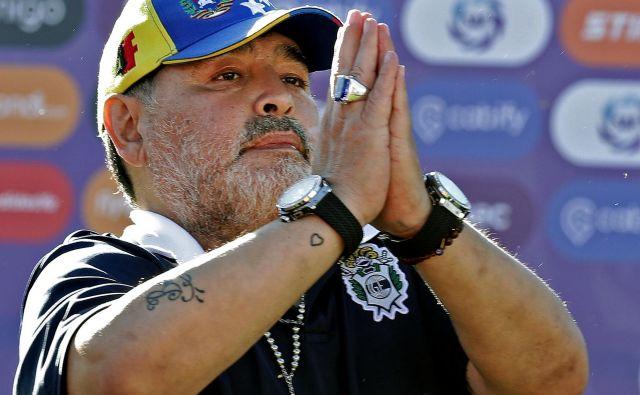 Diego Maradona moli, da bo zdaj pri klubu Gimnasia naposled mir. FOTO: AFP